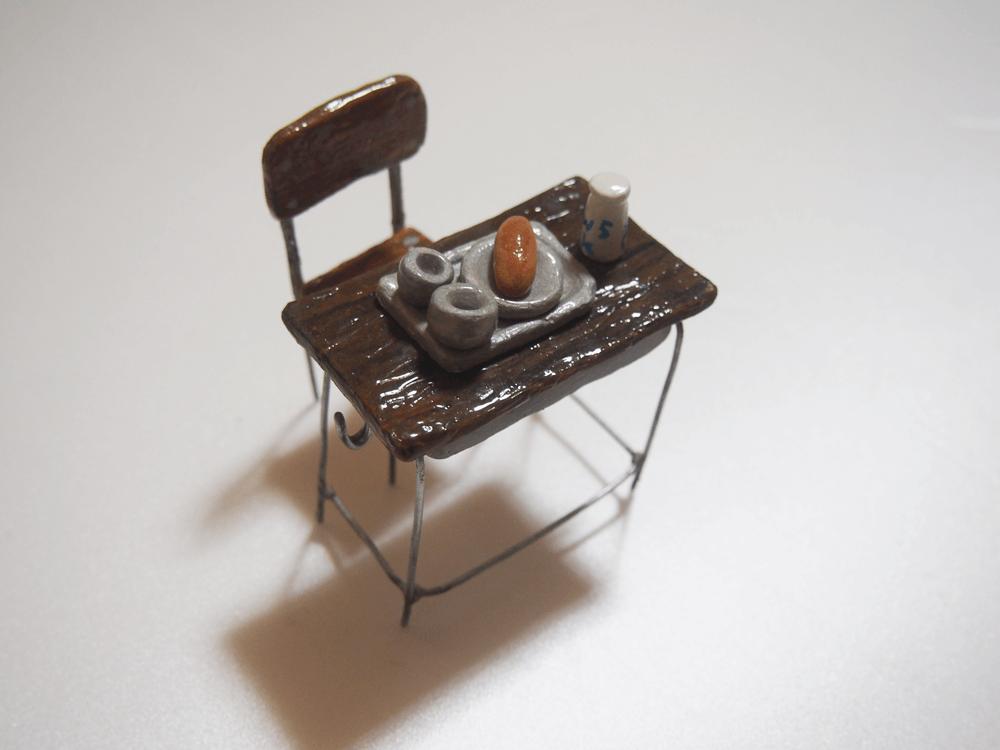 粘土細工 小学校の机 給食
