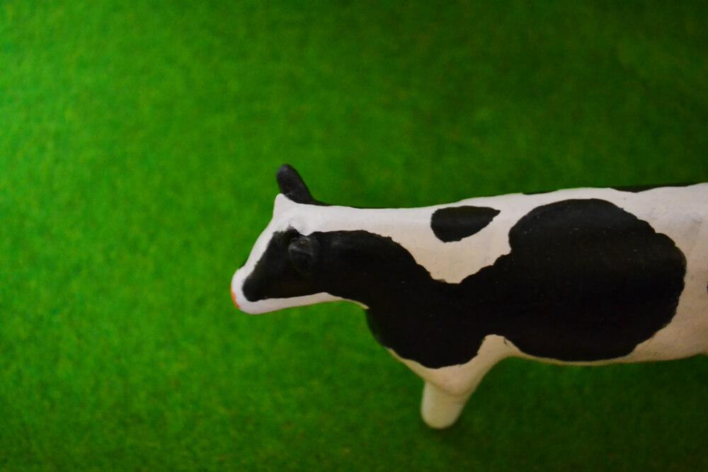 紙粘土細工 牛